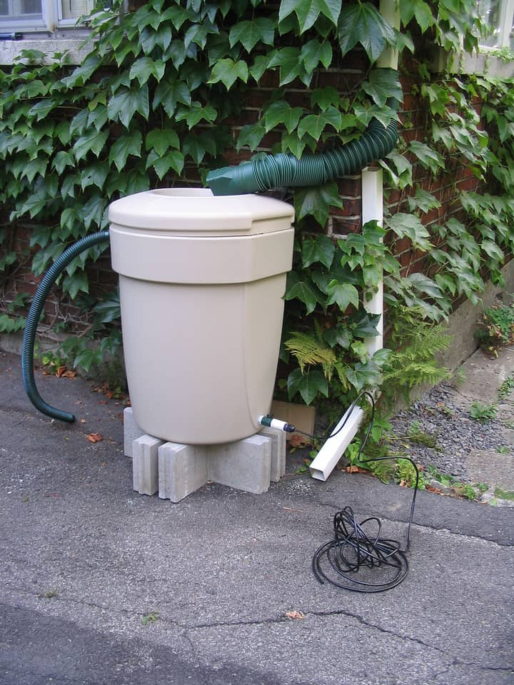 10 Easy Ways to Build Your Own Rain Barrel