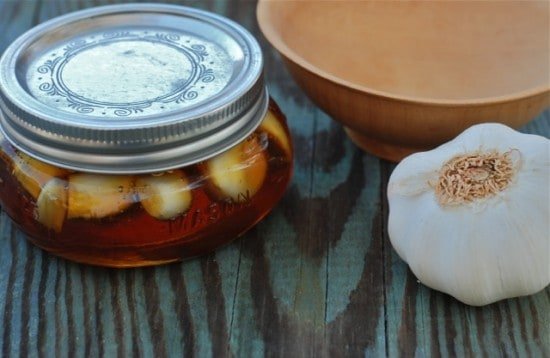 finished garlic honey to prevent colds and flu